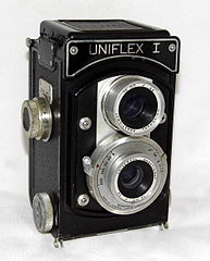 Vintage Uniflex I Aluminum Bodied TLR Film Camera By The Universal Camera Corporation, Circa Late 1940s (21173804350).jpg