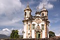 Vista Frontal da Igreja São Francisco de Assis - Ouro Preto.jpg