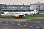 Vueling, EC-HTD, Airbus A320-214 (28397871351).jpg