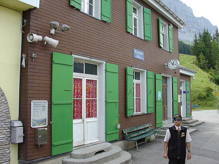 Alpiglen railway station