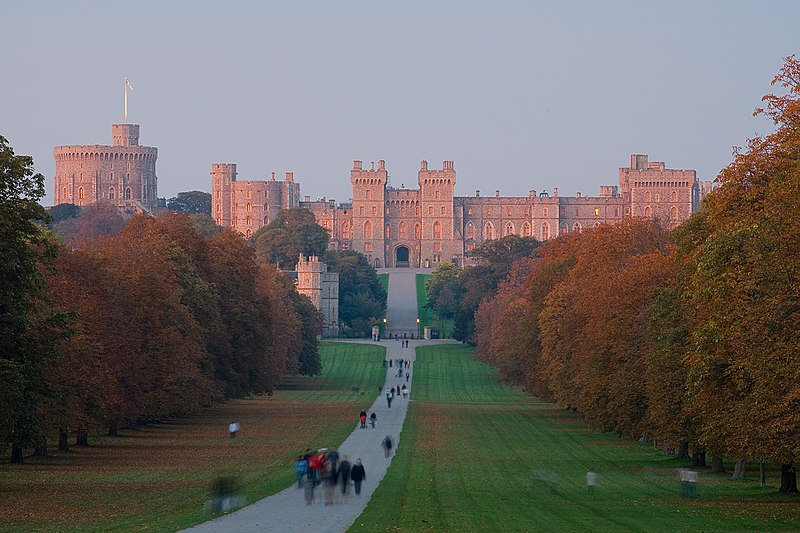 Файл:Windsor Castle Sunset - Nov 2006.jpg