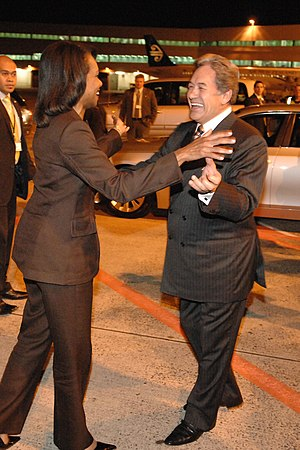 Winston Peters - Winston Peters greets US Secretary of State Condoleezza Rice at Auckland Airport in 2008