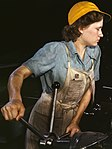 Woman lathe operator in the 1940s (cropped).jpg