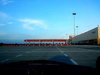 Yamuna Expressway - A toll plaza on Yamuna Expressway