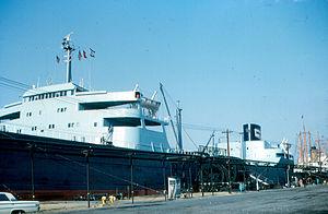 Port of Paulsboro - Mobil Valiant, 1965