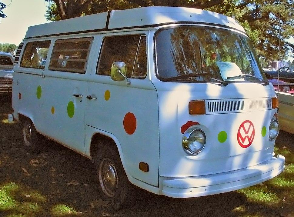%2777 Volkswagen Kombi Westfalia (Auto classique Salaberry-De-Valleyfield %2711)