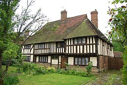 Headcorn wikipedia for The headcorn minimalist house kent