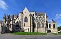 Église Sainte-Trinité de Falaise. Vue sud.jpg