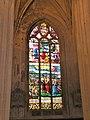 Église de Chaumont en Vexin vitrail déambulatoire 1.JPG