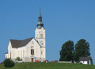 Črni Vrh, Dobrova–Polhov Gradec - Saint Leonard's Church