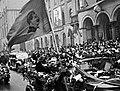 Москвичи встречают герогв-папанинцев. Кадр 1. Иван Папанин (cropped).jpg