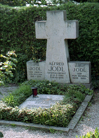 Alfred Jodl - Cenotaph in the family grave in the Fraueninsel Cemetery, in Chiemsee