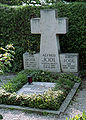 Надгробие семейства Йодль.jpg