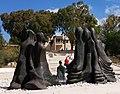 הארמון בניצנים מבט מן האנדרטה לאישה הלוחמת א.jpg