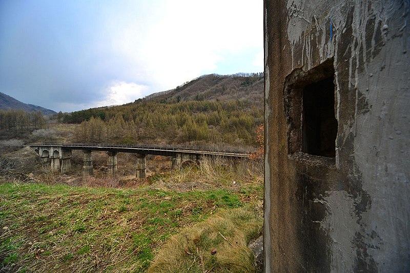 File:巡道工出品 photo by Xundaogong——炮楼 和梅集线k235大桥 - panoramio.jpg