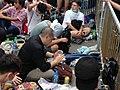 數千香港市民雲集政府總部聲援被困公民廣場學生 (7).jpg