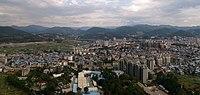 白花岩上看武夷山市 - Wuyishan City Viewed from Baihua Rock - 2015.11 - panoramio.jpg