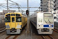 西武池袋線2000系および6000系.jpg
