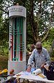 005e05c Pressekonferenz WasserKunst Zwischen Deich und Teich, nicht nur Siegfried Neuenhausen ist noch mit der Installation vor der Edelhof Quelle Mineralwasser beschäftigt ....jpg