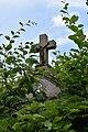02. Kříž v Čerňovicích v zahradě - Plzeň sever.jpg