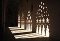 085 Catedral, galeria del claustre, ombres.jpg