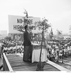 145726 The citizens of Hiroshima and members of the Occupation Force and Occupation Force civilians are addressed by Kusunose Tsunei, governor of Hiroshima Prefecture.JPG