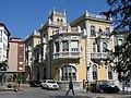 171 Palacio de Balsera, c. Julia de la Riva 2 (Avilés), des de la pl. Domingo Álvarez Acebal.jpg