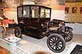 1919 Ford Model T sedan - The Henry Ford - Engines Exposed Exhibit 2-22-2016 (2) (32113714486).jpg