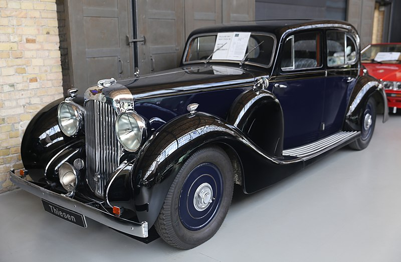 File:1939 Lagonda V12 de Ville no. 16032 at Thiesen.jpg
