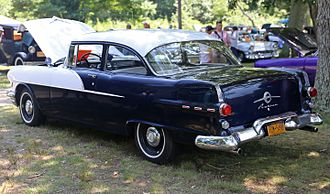 Pontiac Chieftain - Image: 1956 Pontiac Chieftain 2 door sedan, rear left