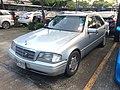 1994-1995 Mercedes-Benz C220 (W202) Sports Sedan (27-10-2017) 02.jpg