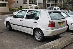 1998 Volkswagen Golf (1H) CL 5-door hatchback (22877267947).jpg