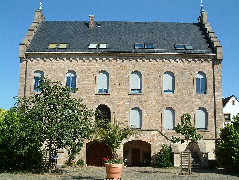 2006-07-02-1656-Mussbach-WeissesHaus01