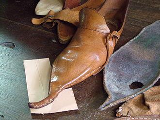 Crakow (shoe) - Poulaine at the shoemaker of Archeon