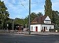 20090927366DR Radebeul-Weintraube Haltepunkt Weißes Roß.jpg