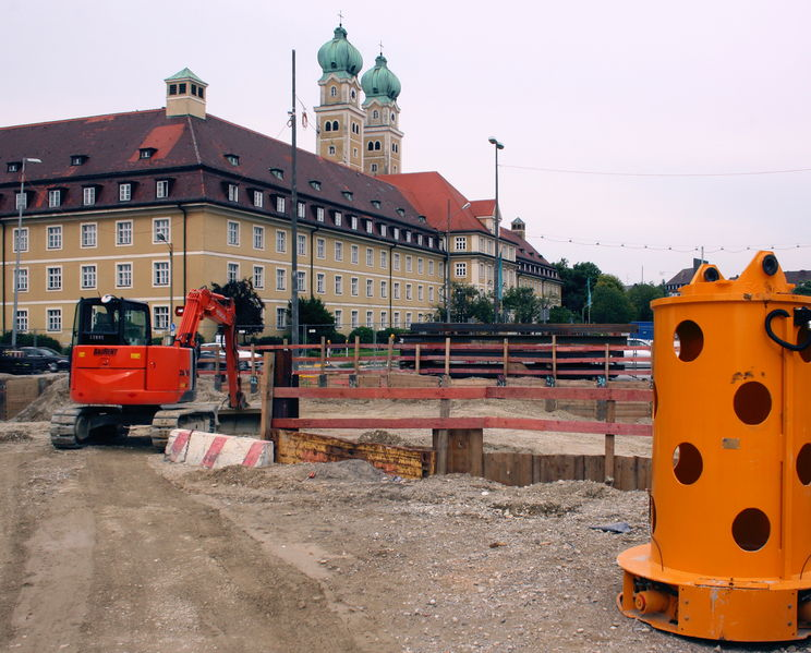 File:2010 Aug Luise-Kiesselbach-Platz Project Mittlerer Ring Southwest Altenheim st Josef.JPG