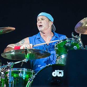 Chad Smith - Smith drumming for RHCP in 2016