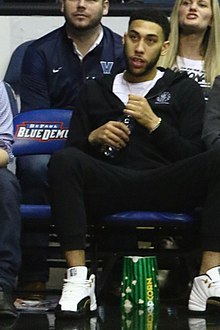 20170213 Villanova-Depaul accidental Denzel Valentine.jpg