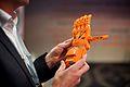 3D geprinte hand bij de Wikimedia Conferentie 2014 (15496303997).jpg