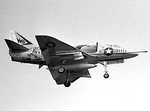 VFA-22 - Image: A 4B VA 22R CVS 33 1963