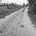 Aanleg en verbeteren van wegen, dijken en spaarbekken, zandwegen, Bestanddeelnr 161-1089.jpg