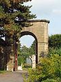 Abbaye Saint-Martin-des-Glandières. Le grand porche latéral..jpg