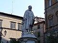 Acquapendente-statua Girolamo Fabrizio.jpg