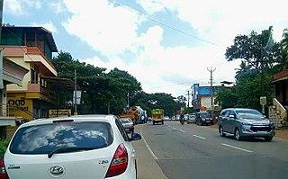 Main Central Road road in Kerala, India