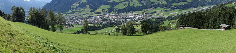 File:Alpine slope panorama (23617219990).jpg