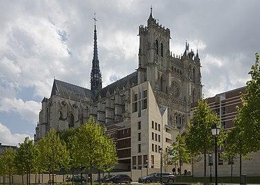 Amiens France Cathédrale-Notre-Dame-d-Amiens-11a.jpg