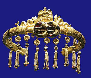 Ancient Greek jewelry from Pontika (now in Ukr...