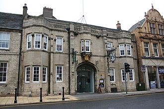 Pubs and inns in Grantham - Image: Angel and Royal Hotel, Grantham, front elevation