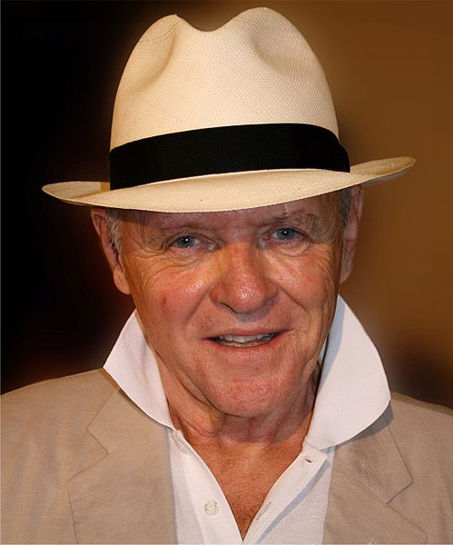 Fichier:Anthony Hopkins cropped 2009.jpg