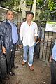 Anu Malik visits Dara Singh's home 14.jpg